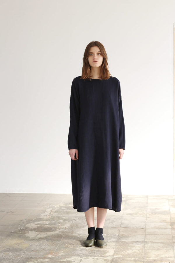 shelter-dress-navy-01