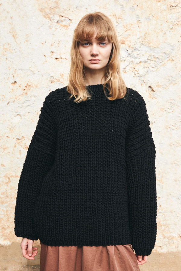 nomad-sweater-black01