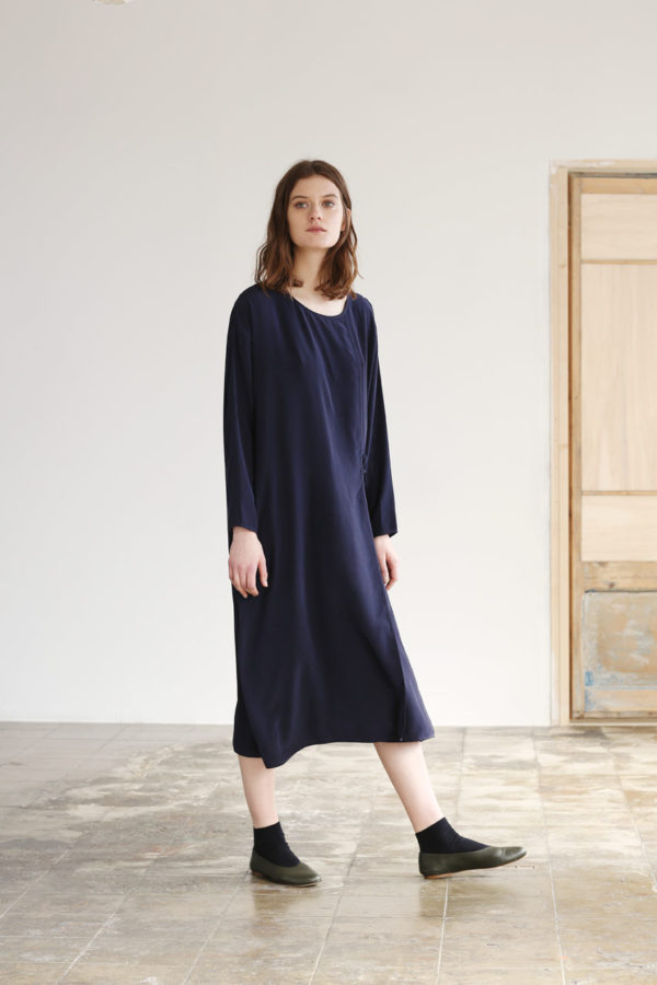 wrap-dress-silk-navy-01